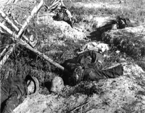 tentara Jerman yang sekarat di front, kehilangan kakinya dan menghadapi maut yang tak terelakkan