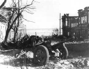 23 Agustus Jendral von Richtoffens melancarkan pemboman massal ke Stalingrad mengakibatkan korban sipil luar biasa