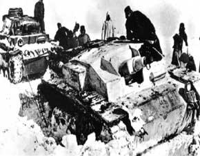 badai salju Rusia tak hanya mematikan infantri Jerman, tapi menimbulkan masalah serius bagi panzer yang tidak didesain untuk iklim salju
